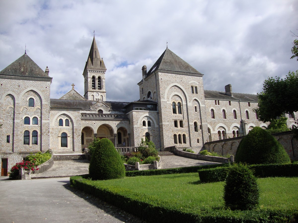 Dourgne_(Tarn,_Fr)_Abbaye_aux_femmes_d'En_Calcat