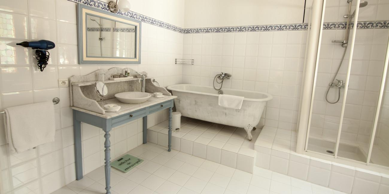 Chambre2-Domaine-de-Rasigous-006