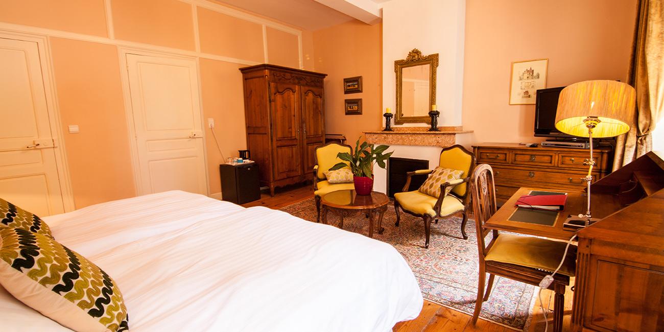 Chambre3-Domaine-de-Rasigous-004